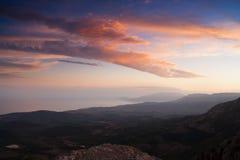 Красивейший взгляд крымских гор осенью. Украин. Стоковые Изображения RF