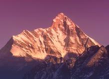 Последний заход солнца над горой Nanda Devi Стоковые Фотографии RF