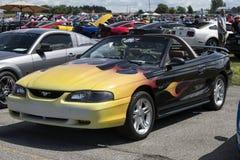 Последний модельный автомобиль с откидным верхом мустанга Стоковое Изображение