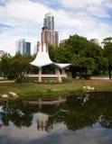После полудня Остина Техаса состава пруда парка вертикальное Стоковое Изображение RF