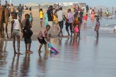 После полудня понедельника на пляже Обамы, Cotonou стоковые изображения