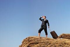 потерянный бизнесмен ищущ путь Стоковые Изображения RF