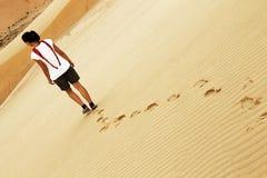 Потеряно в пустыне стоковое фото