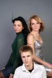 потеха друзей имея 3 совместно Стоковое фото RF