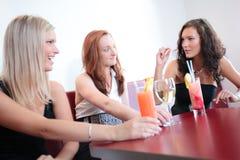 потеха имея 3 женщин молодых Стоковое Изображение RF