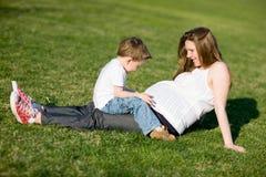 потеха семьи дня солнечная Стоковые Изображения