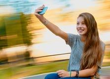 Потеха selfie девушки подростка Стоковое Фото
