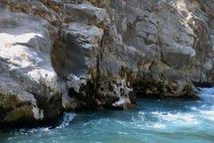 Поток горы в ущелье Тянь-Шань Узбекистана Стоковые Фотографии RF