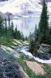 поток горы озера Британского Колумбии утесистый Стоковая Фотография RF