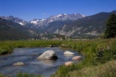 поток горы утесистый Стоковые Фото