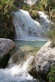 Поток и бассейны Neelawahn водопада Стоковые Изображения