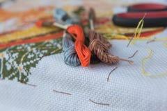 Поток крупного плана красочный для вышивки вышивки крестиком Стоковые Фото
