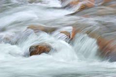 поток стремительный стоковая фотография rf