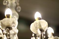 Потолочная лампа в платье свадьбы Стоковые Изображения RF