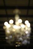 Потолочная лампа в платье свадьбы стоковое изображение rf