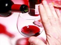 Потребление спирта Стоковые Фото