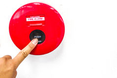 потревожьте дым путя пожара детектора клиппирования изолированный изображением стоковое изображение rf