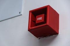 потревожьте дым путя пожара детектора клиппирования изолированный изображением Стоковое фото RF