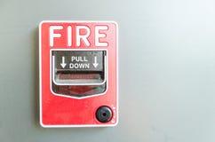 потревожьте дым путя пожара детектора клиппирования изолированный изображением стоковые фотографии rf