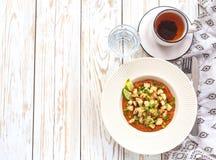 Потушенная капуста кольраби с sause известки и томата Стоковое Фото