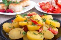 Потушенные картошки с крупным планом болгарского перца Стоковое Фото