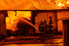 потушите пожарные пожара стоковые изображения rf