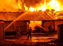 потушите пожарные пожара стоковое фото