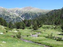 похожий на Фантази ландшафт в горной цепи Пиренеи стоковые фотографии rf