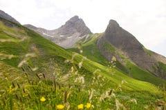 Поход в горных вершинах Стоковое Изображение