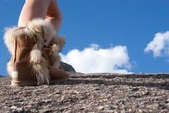 Поход горы с ботинками Стоковые Фото