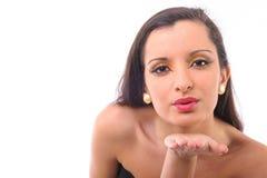 Поцелуи красивейшей женщины дуя Стоковая Фотография RF