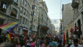 Почетность март LGBTI пока парк Gezi протестует акции видеоматериалы