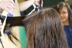 почистьте волос щеткой Стоковые Фото