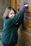 почтальона музея двери детеныши счастливого Стоковая Фотография RF
