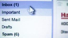 Почта ящика входящей почты, читая электронные почты сток-видео