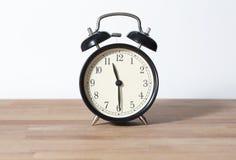 Почти полночь или полдень Это часы ` 11:30 o Стоковые Фотографии RF