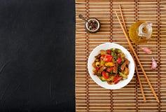 Пошевелите говядину фрая, сладостные перцы, цукини Стоковое фото RF