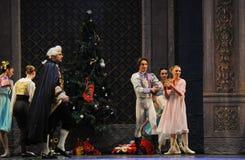 Пошлите Щелкунчика балета подарков- рождества Стоковые Фото