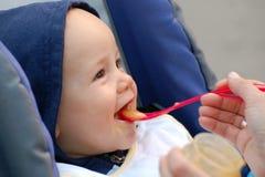 подавать младенца Стоковое фото RF
