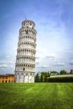 Полагаясь башня Пизы, Италии Стоковые Изображения RF