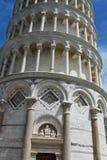 Полагаясь башня Пизы, Италии Стоковая Фотография RF