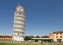 полагаясь башня pisa башня pisa Стоковые Фото