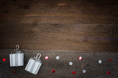 2 подарка на деревянной предпосылке Стоковые Изображения RF