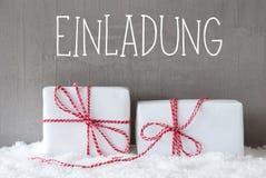 2 подарка с снегом, Einladung значат приглашение Стоковые Изображения RF