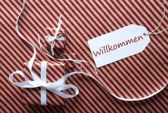 2 подарка с ярлыком, гостеприимсвом середин Willkommen Стоковое Изображение RF