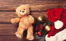 Подарки игрушки и рождества плюшевого медвежонка Стоковая Фотография