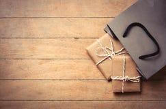 Подарки и сумка стоковое изображение