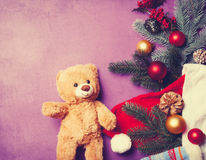 Подарки плюшевого медвежонка и рождества Стоковые Фото