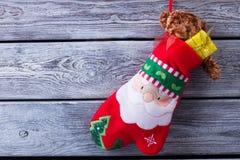 Подарки рождества в mitten Стоковое Изображение RF