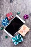 Подарки рождества на древесине Стоковое Фото